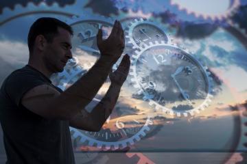 Wenn es in eurem Schicksal vorgeschrieben war, werdet ihr beten können und so werdet ihr das Geschehnis, welches zu euch kommen wird, abwenden können.