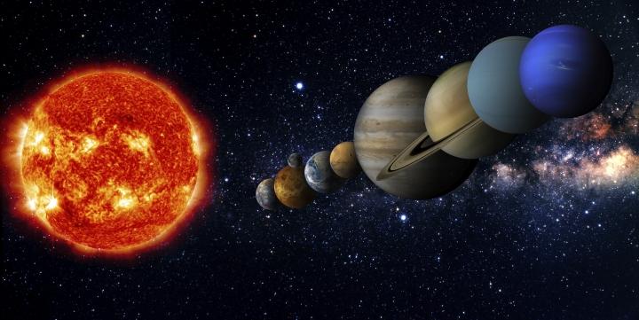 Tüm takımyıldızlar, yıldız birikimleri olan galaksiler; hep vareden mutlak varlığın sayısız isimlerinin ve vasıflarının yoğunlaşmış hâlleridir gerçekte!
