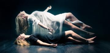 Beyindeki biyoelektrik kesildiğinde bedenden çekicilik kalkar ve otomatik olarak kişilik ruhu bedenden ayrılır!